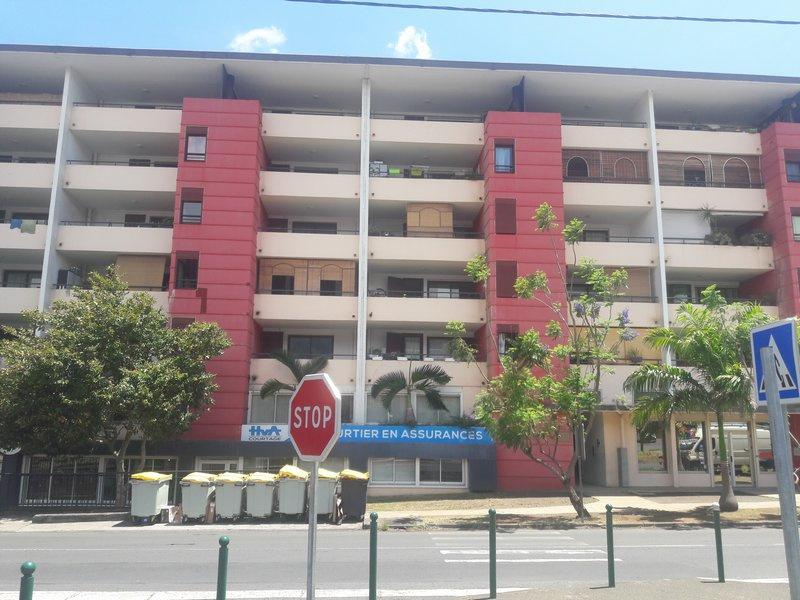 Appartement 3 pièces- 52 m2 - SAINT DENIS
